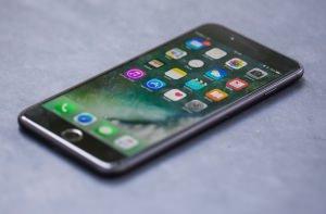 IHS Markit iPhone 7