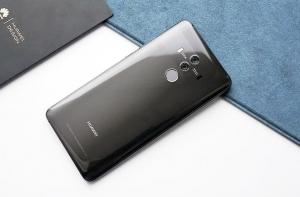 Смартфон Huawei из линейки Mate