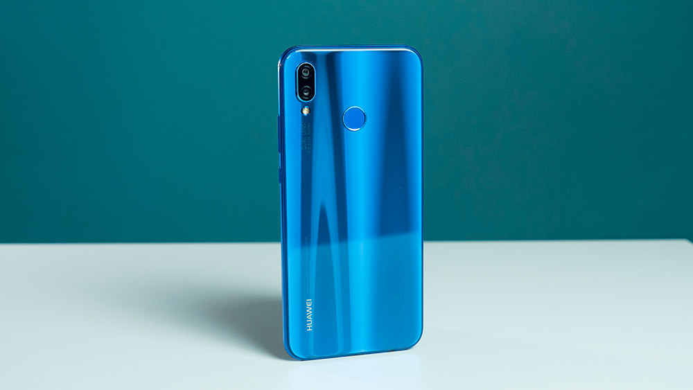 Дизайн Huawei P20 Lite
