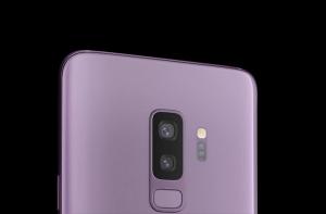 Розовый смартфон Samsung Galaxy S9+