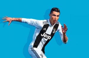 Криштиану Роналду на баннере FIFA 19