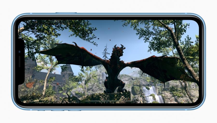 iPhone Xr вид спереди