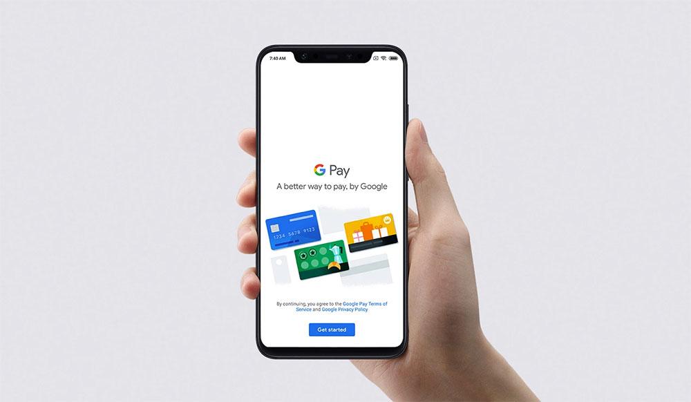 Xiaomi Mi 8 с запущенным приложением Android Pay