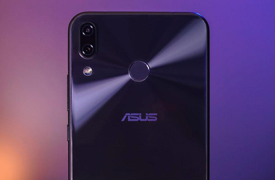 ASUS ZenFone 5 сзади