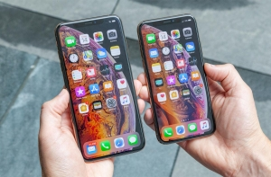 Apple iPhone XS , XS Max