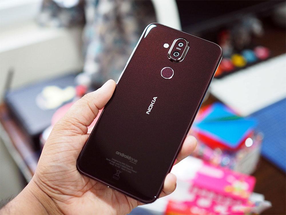 Nokia 8.1 задняя панель