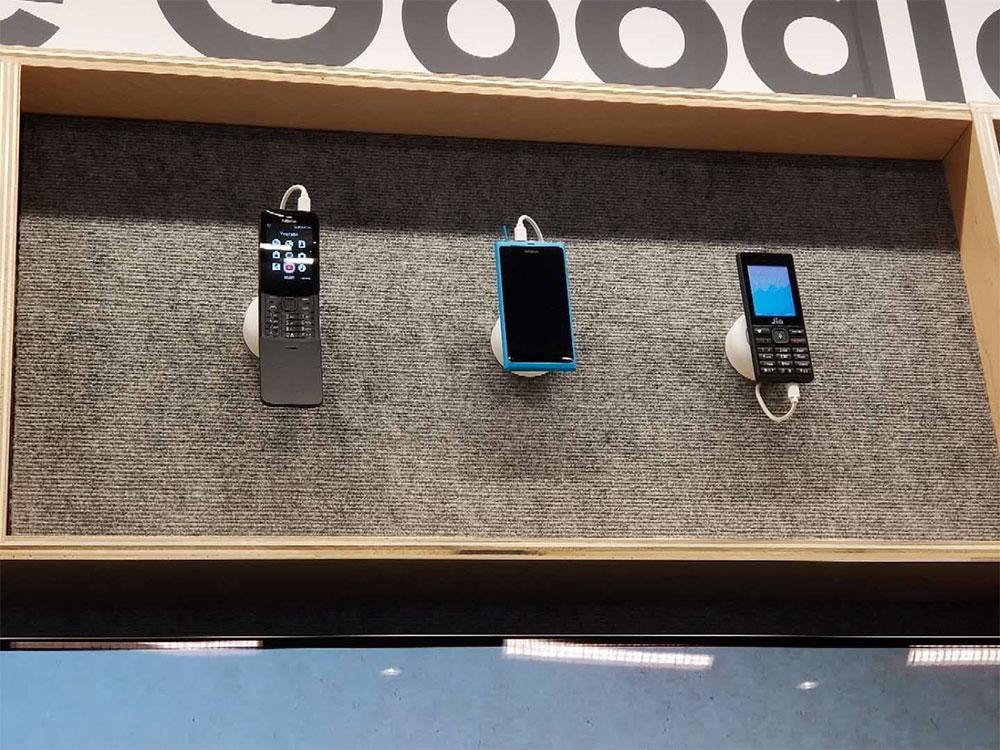 Nokia N9 стенд