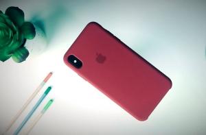 iPhone Xs сзади