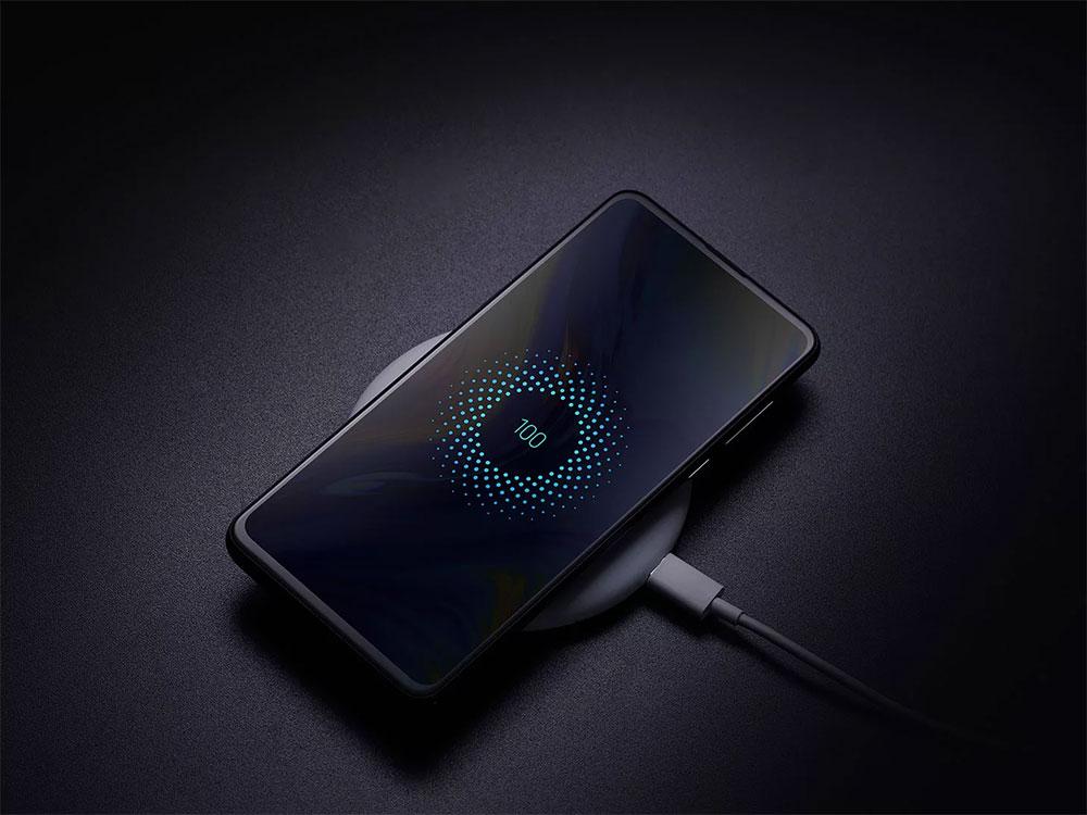 Xiaomi Mi Mix 3 на зарядке