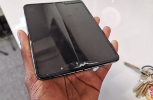 Проблемы дисплея Samsun Galaxy Fold