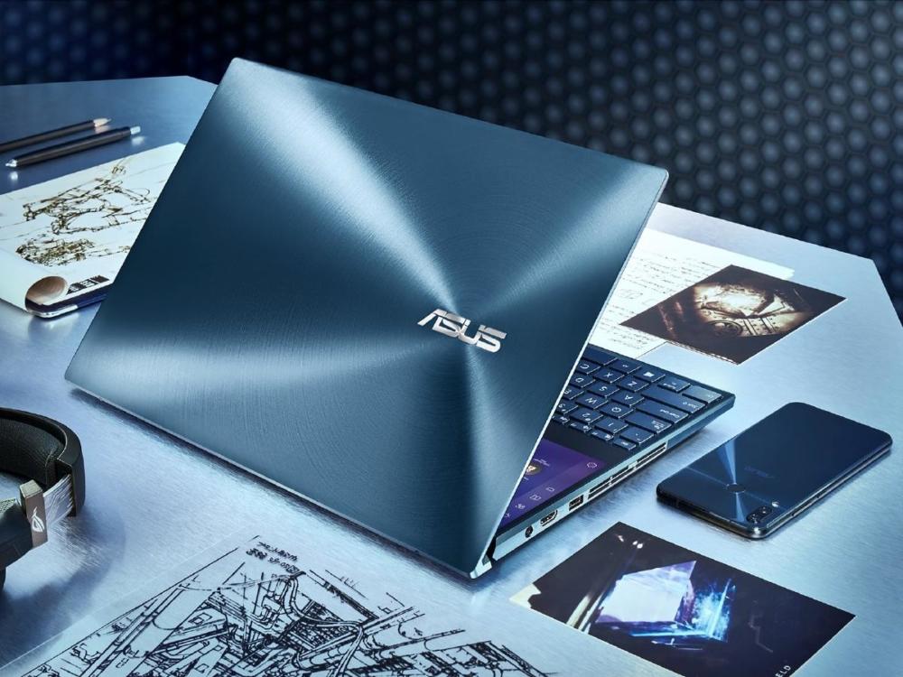 Asus ZenBook Pro Duo сзади
