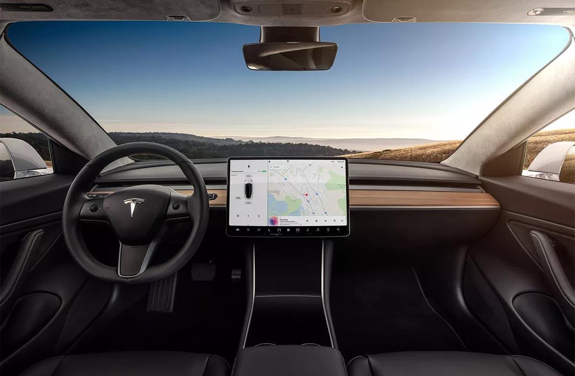 Компьютер в машине Tesla