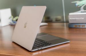 Задняя крышка MacBook Pro 2018