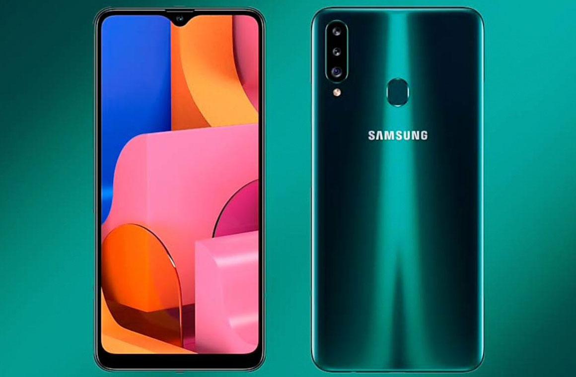 Samsung Galaxy A20s с двух сторон
