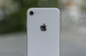 iPhone 8 сзади