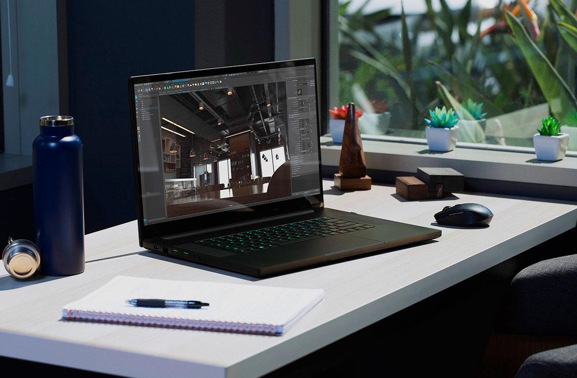 Razer Blade Pro 17 на столе