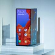 Выпуск складного смартфона Huawei Mate X перенесен на ноябрь