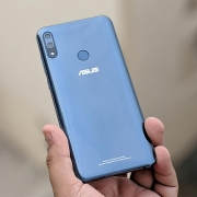 Asus опровергла слухи о закрытии линейки смартфонов ZenFone