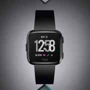 Fitbit Versa как реинкарнация популярных часов Pebble