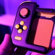 Honor представила односторонний геймпад для смартфона