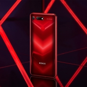 Honor подтверждает наличие двойной «фронталки» в смартфоне V30