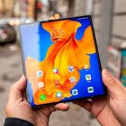 Xiaomi запатентовала свою версию Huawei Mate Xs