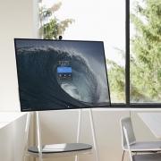 Microsoft представила планшет-телевизор Surface Hub 2S