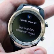 Обновление Wear OS продлит время работы умных часов