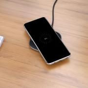 Xiaomi и IKEA разработали стол со встроенной беспроводной зарядкой