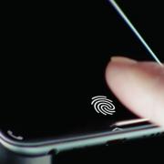 Xiaomi Mi 8 может получить сканер отпечатков под экраном