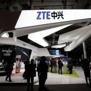 Власти США ввели санкции против ZTE